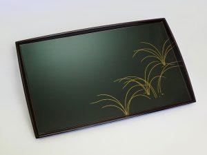 ティートレー 草の影