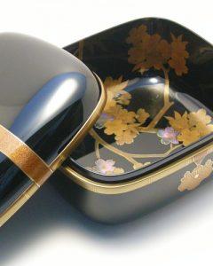 乾漆小箱 桜蒔絵