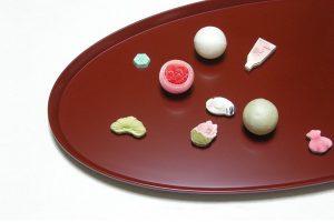 盛込み平皿と加賀の和菓子