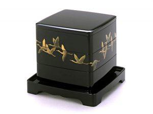 """Sandan-juu (3-tier stacking food boxes) """"Gunsho"""""""
