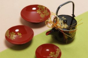 Tosoki (New year's spiced sake set)