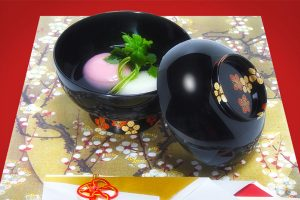 "Nimono-wan (Bowl for boiled food) ""Plum blossoms"""