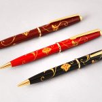 "Maki-e lacquered ballpoint pen ""Arabesque"""