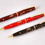 "Maki-e lacquered ballpoint pen ""Flurry of cherry blossoms"""